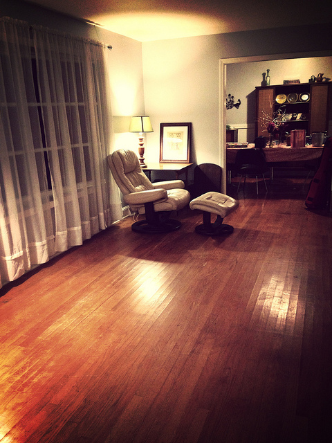 My new writing chair, in my new cleaned up room. Happy writer is happy.